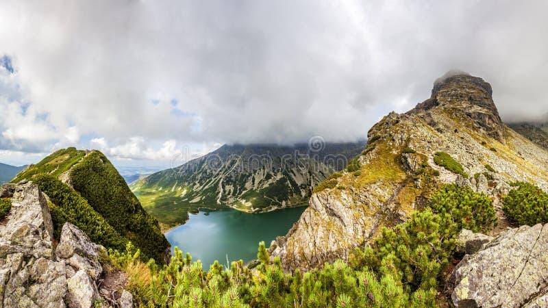 Vista da Krab in montagne di Tatra, Polonia, Europa immagini stock