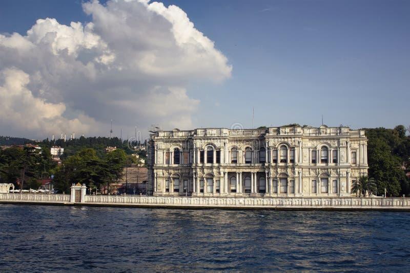 Vista da mansão velha, histórica por Bosphorus foto de stock royalty free