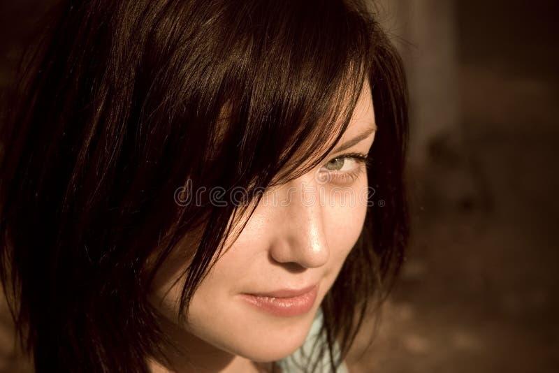 Vista da menina frowningly fotos de stock