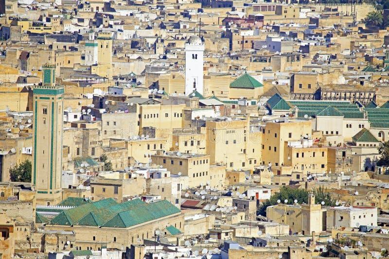 Vista da mesquita de Kairaouine em Fes, Marrocos, foto de stock royalty free