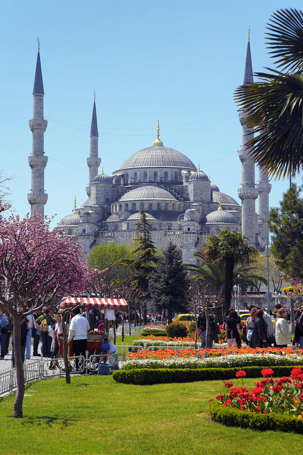 Vista da mesquita de Sultanahmet em Istambul foto de stock