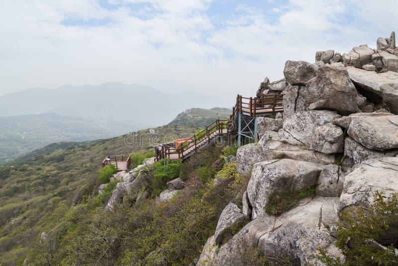Vista da montanha de Geumjeongsan em Busan imagens de stock royalty free