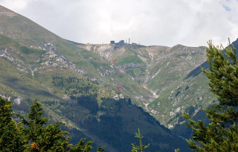 Vista da montanha de Gran Sasso na região de Abruzzo imagem de stock royalty free