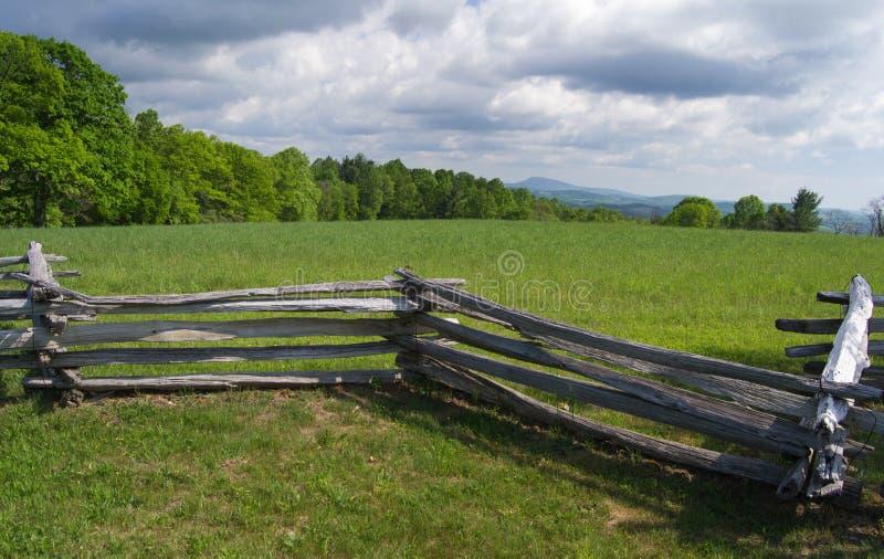 Vista da montanha de Groundhog - Ridge Parkway azul, Virgínia, EUA imagens de stock royalty free