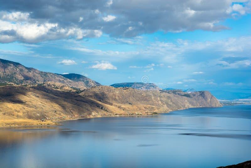 Vista da opinião Poin do lago Kamloops imagem de stock royalty free