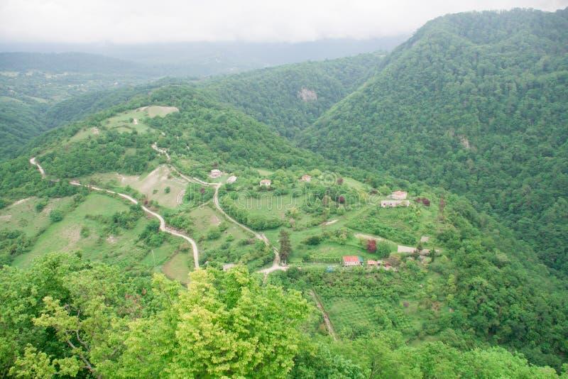 Vista da parte superior aos campos e às vilas imagem de stock