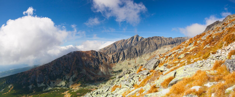 Vista da parte superior da montanha no Tatras alto, Eslováquia fotografia de stock royalty free