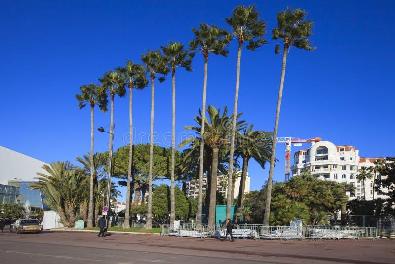 Vista da passeggiare de la Croisette, Cannes, Francia immagini stock