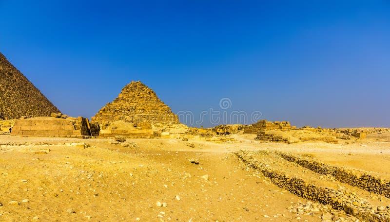 Vista da pirâmide de Henutsen (G1-c) em Giza fotos de stock