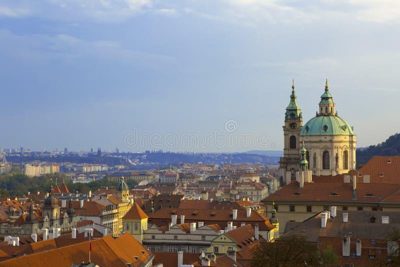 Vista da plataforma de observação na cidade velha, Praga, República Checa fotos de stock