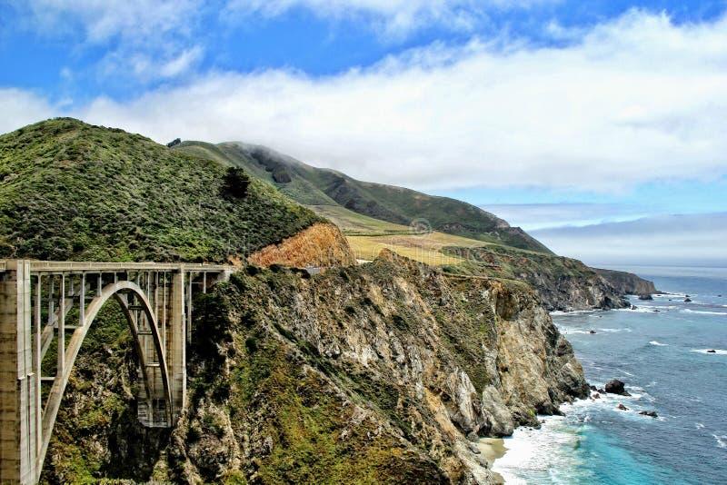 Vista da ponte bixby imagens de stock royalty free