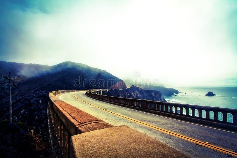 Vista da ponte bixby fotos de stock royalty free