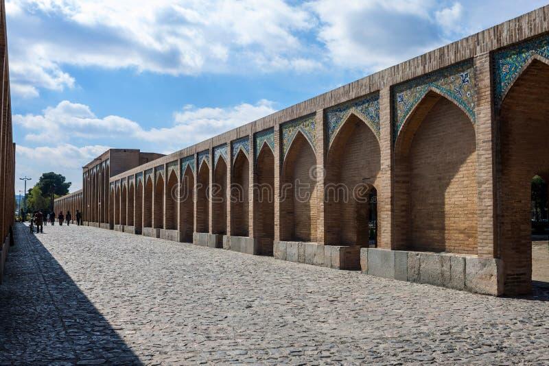 Vista da ponte de Khajoo imagem de stock royalty free