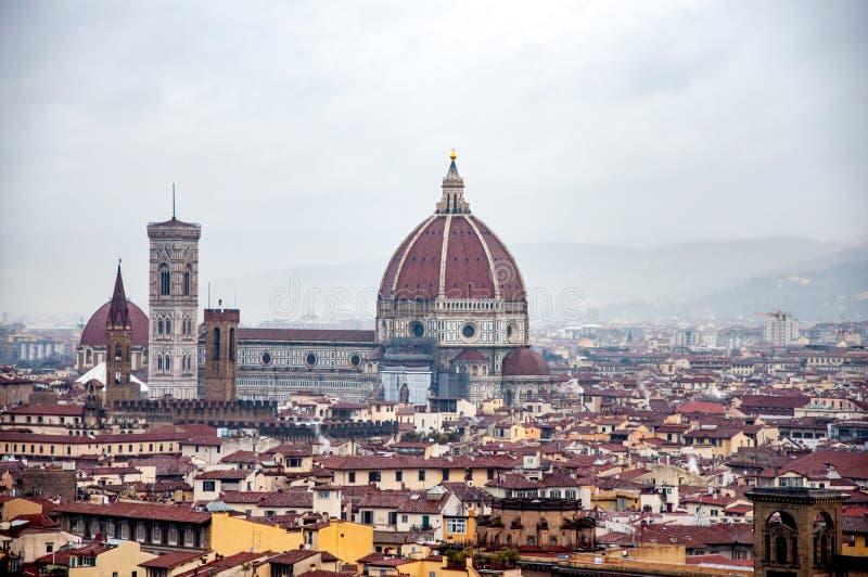 Vista da praça Michelangelo na catedral de Santa Maria del Fi imagens de stock