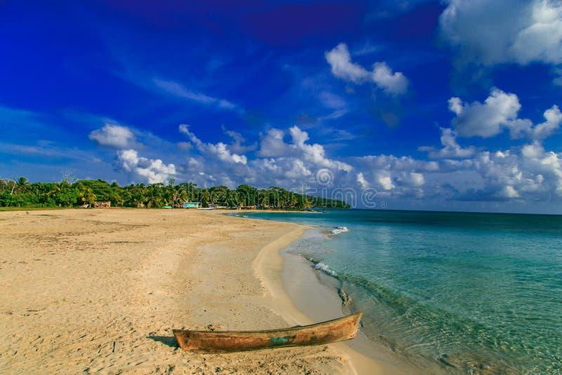 Vista da praia da ilha de milho de Nicarágua fotografia de stock royalty free