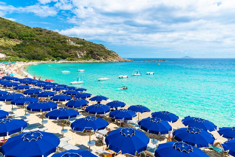 Vista da praia de Cavoli, ilha da Ilha de Elba, Toscânia, Itália foto de stock royalty free
