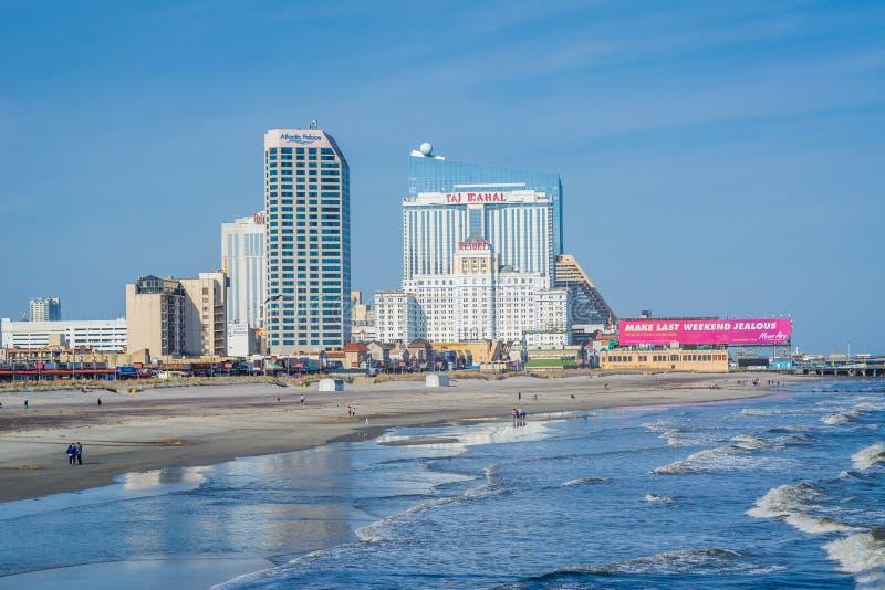 Vista da praia e das constru??es em Atlantic City, New-jersey imagens de stock