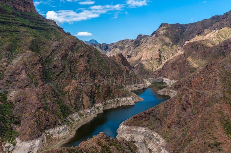 Vista da represa de Parralilo e do lago, Gran Canaria fotos de stock