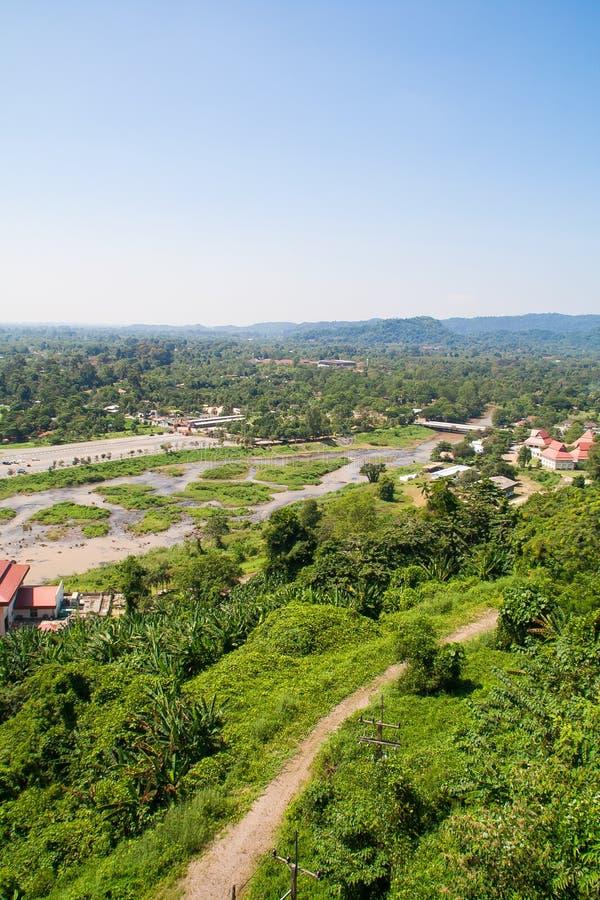 Vista da represa para ajardinar a província de Nakhon Nayok em Tailândia fotografia de stock