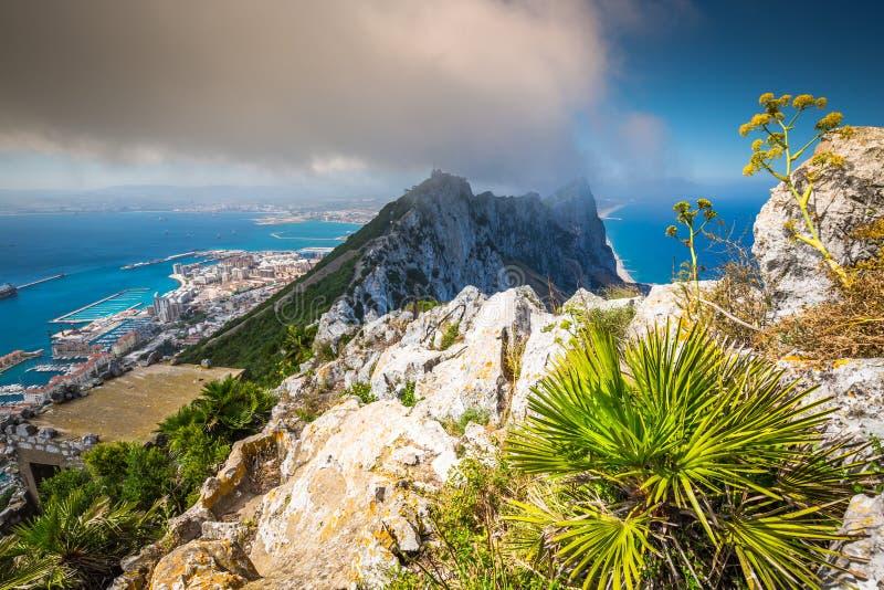 Vista da rocha de Gibraltar da rocha superior fotos de stock