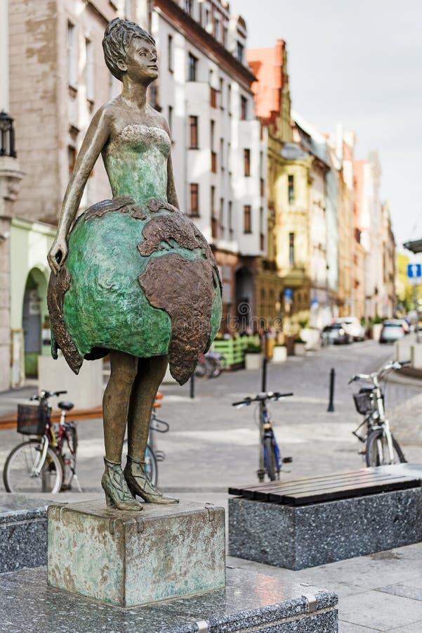 Vista da rua no centro da cidade da Europa Oriental imagem de stock royalty free