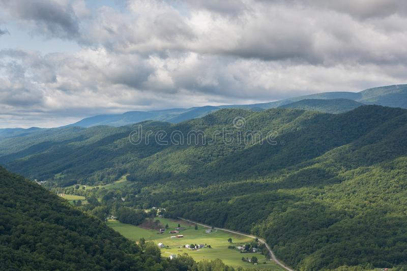 Vista da Seneca Rocks in Virginia Occidentale fotografia stock libera da diritti