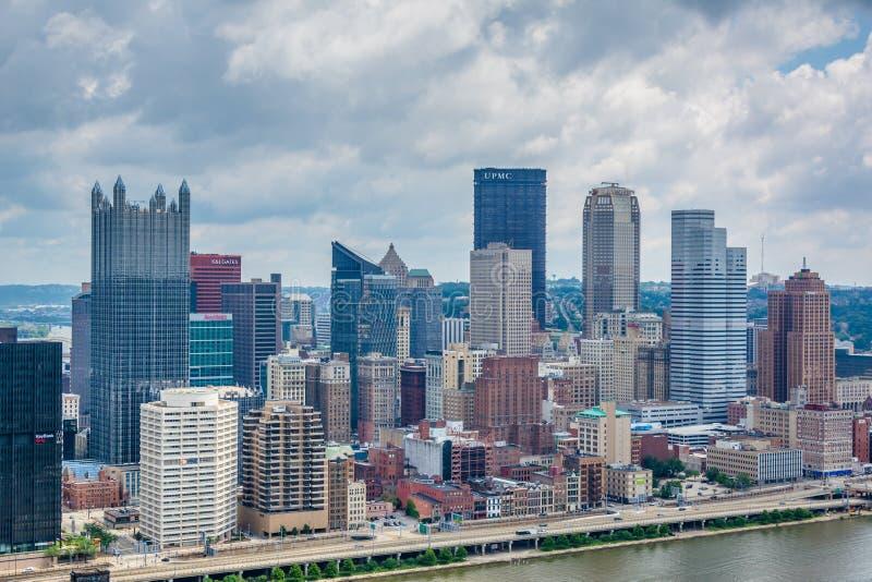 Vista da skyline de Pittsburgh e do rio de Monongahela, da montagem Washington, Pittsburgh, Pensilv?nia imagem de stock royalty free