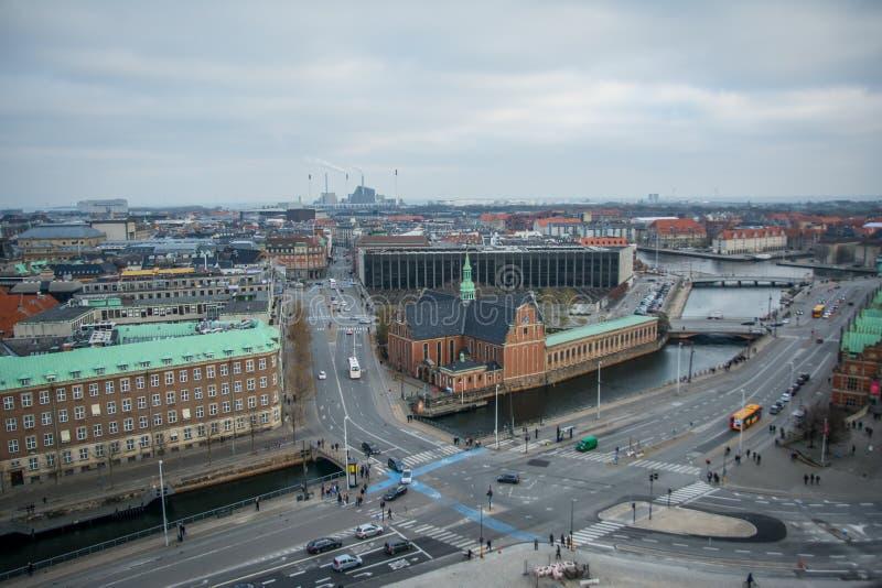 Vista da torre de Christiansborg copenhaga dinamarca fotografia de stock