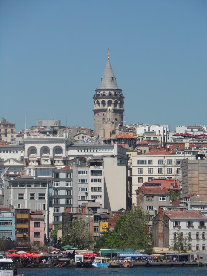 A vista da torre de Galata em Istambul imagem de stock