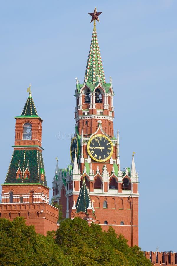 Vista da torre de Spasskaya do Kremlin de Moscou Rússia fotos de stock royalty free
