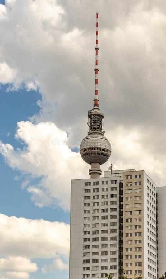 Vista da torre de TV de Berlim imagens de stock royalty free