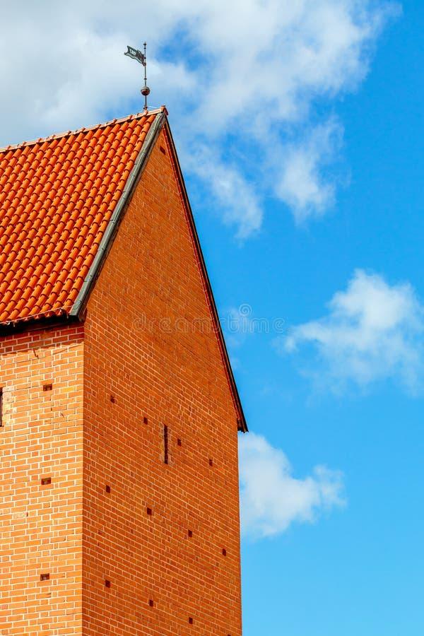 Vista da torre medieval em Riga, Letónia fotografia de stock royalty free