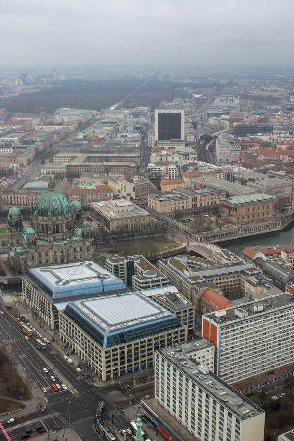 Vista da torre da tevê de Berlim foto de stock royalty free
