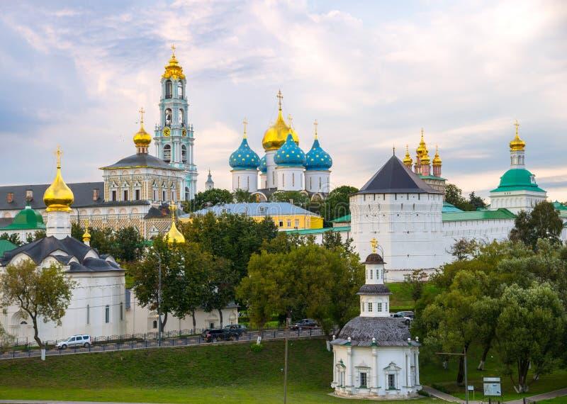 Vista da trindade Lavra de St Sergius, Sergiev Posad, região de Moscou, Rússia fotos de stock royalty free