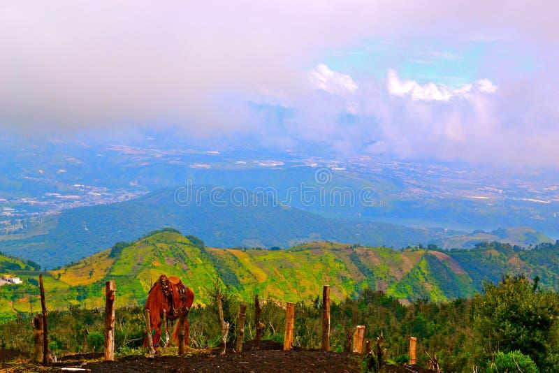 Vista da un vulcano immagini stock