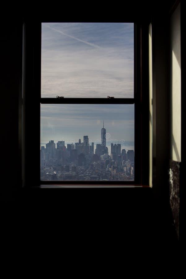 Vista da una finestra della piattaforma di osservazione dello stato dell'impero immagine stock libera da diritti