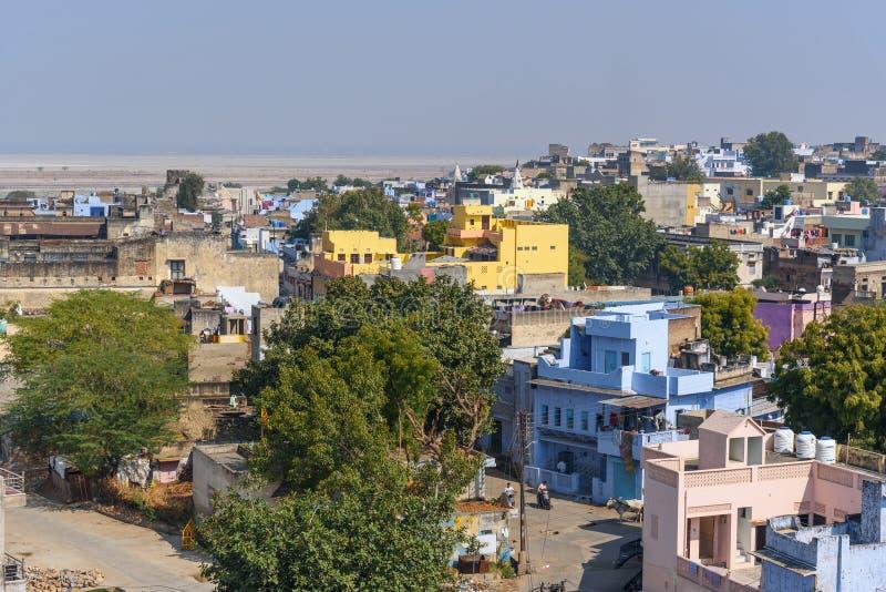 Vista da vila do lago Sambhar Rajasthan India fotografia de stock royalty free