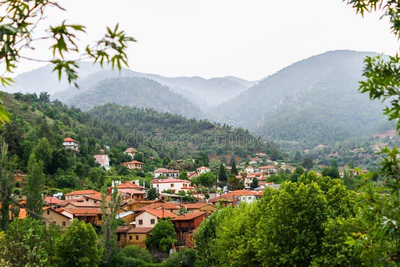 Vista da vila velha Kakopetria fotos de stock royalty free