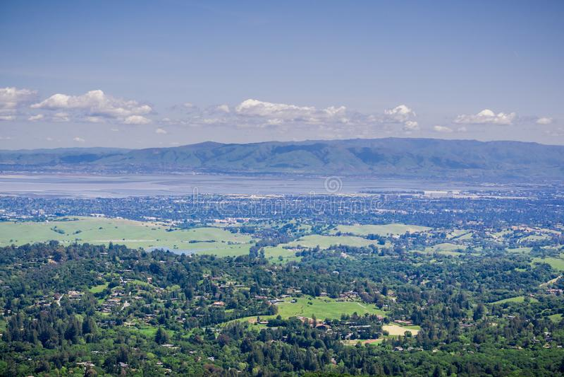 Vista da Windy Hill verso Sunnyvale e Silicon Valley, sud San Francisco Bay Area, California fotografia stock libera da diritti