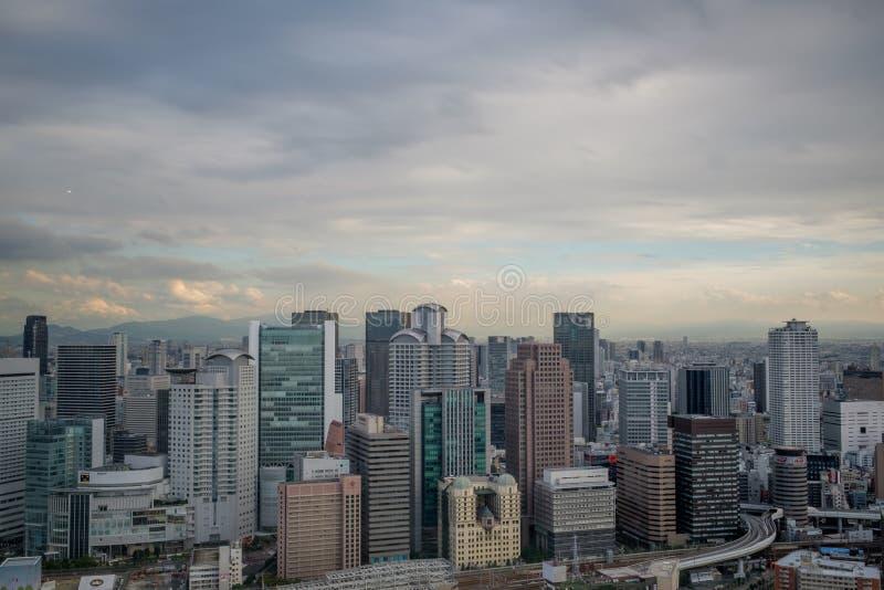 Vista dal cielo di Umeda che costruisce sopra Osaka fotografia stock