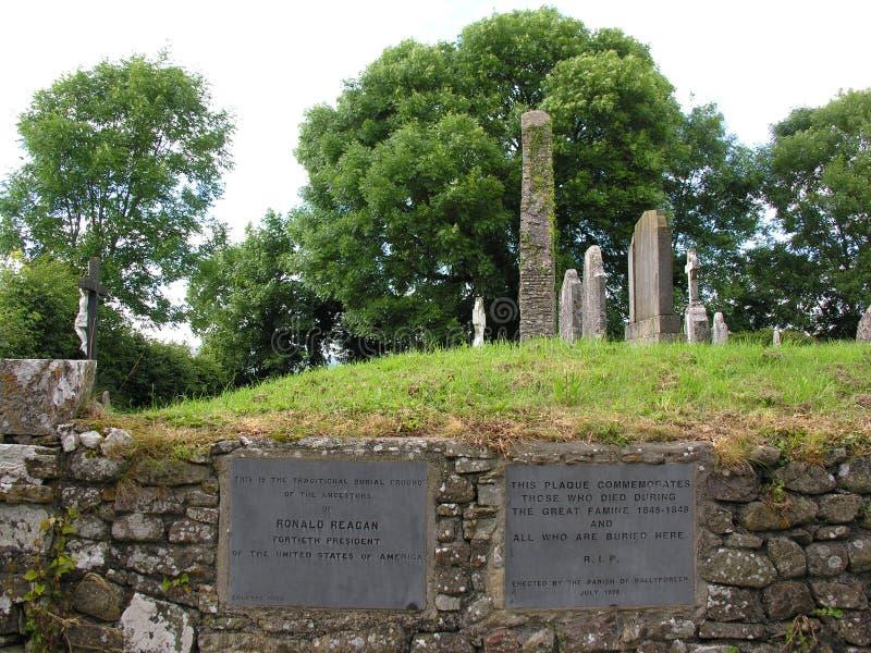 Vista dal cimitero Tipperary di Templetenny fotografie stock libere da diritti
