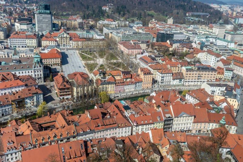 Vista dal di cui sopra di una città di Transferrina fotografie stock