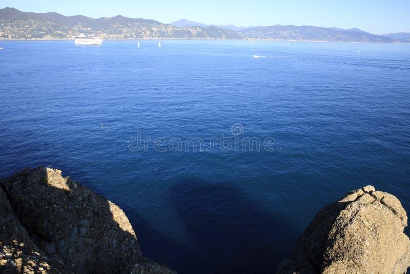 Vista dal faro di Portofino, Genova, Liguria, Italia fotografie stock libere da diritti