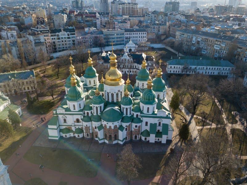 Vista dal fuco della cattedrale della st Sophia Cathedral nella città di Kiev, Ucraina fotografia stock