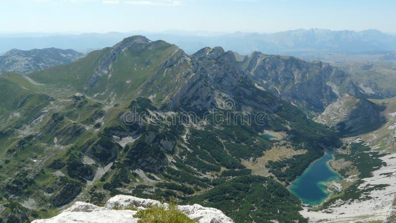 Vista dal picco di montagna immagini stock libere da diritti