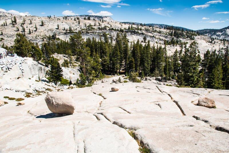 Vista dal punto di Olmsted in parco nazionale di Yosemite immagine stock