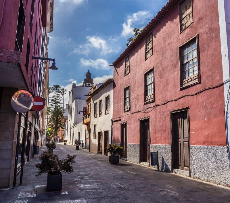 Vista dal vecchio centro urbano, San Cristobal de La Laguna, Tenerife, isole Canarie, Spagna - 13 della via 05 2018 fotografia stock