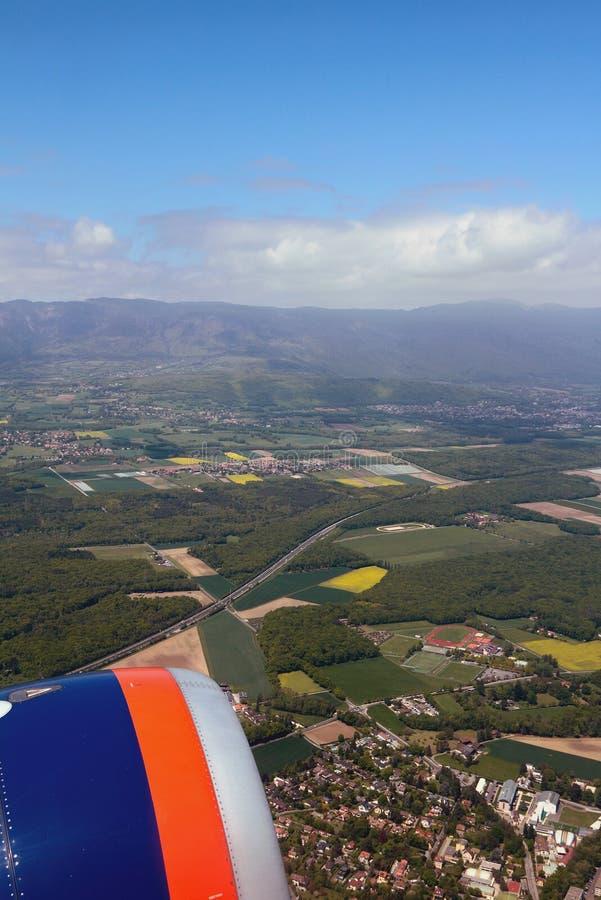Vista dall'aereo sulla strada principale E62 fra Ginevra e Losanna Versoix, Svizzera immagini stock