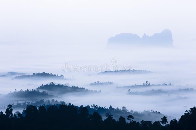 Vista dalla cima di panorama di Bukit a Sungai Lembing Kuantan Pahang Malesia fotografia stock libera da diritti