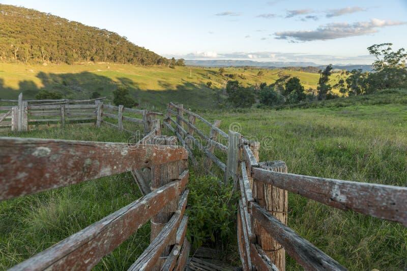 Vista dalla città della campagna di Lithgow in NSW Australia fotografia stock libera da diritti
